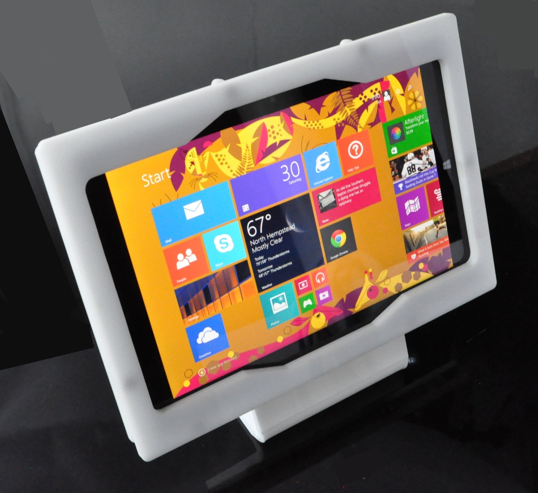 Microsoft Surface 3 Security  Enclosure VESA Ready