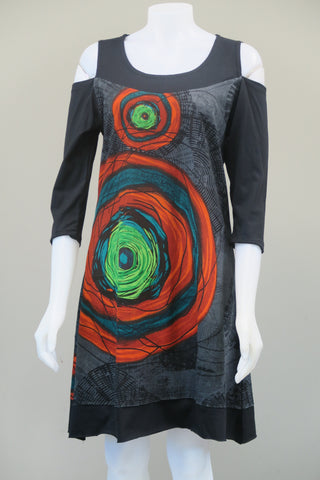 Circled 3/4 Sleeve Dress