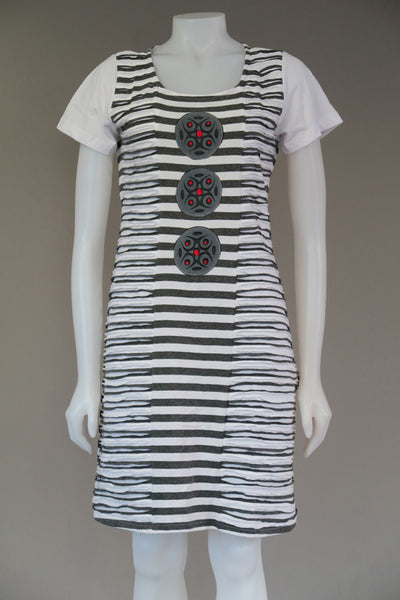 Organic stripe c/s cutout Dress Circle Emb. Patches