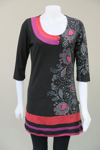 Print Applique 3/4 Sleeve  Top