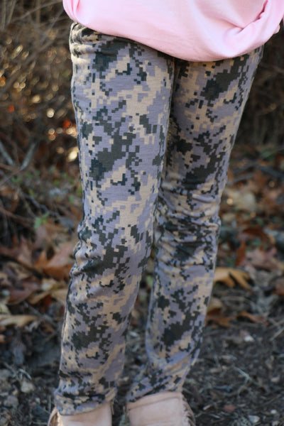 girls camo pants