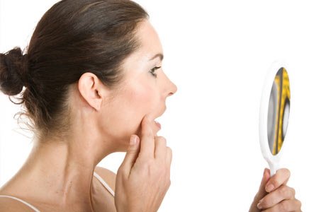 6 Factors That Are Causing Wrinkles and Blemishes