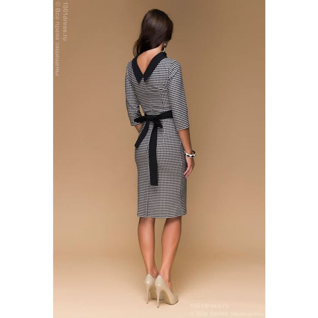 Dress length MIDI DM00302BK a houndstooth black and white V-neck on the back