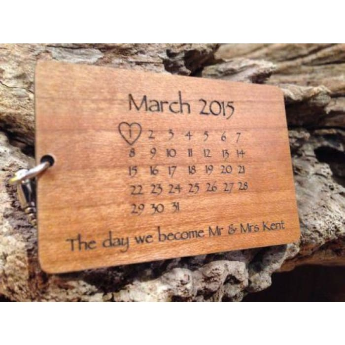 Personalised Wooden Calendar Keyring Fathers Day Gift Mothers Day Anniversar Other Gift & Party Supplies