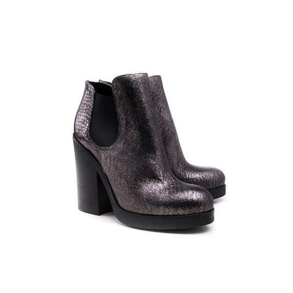Zola Women - Shoes - Booties