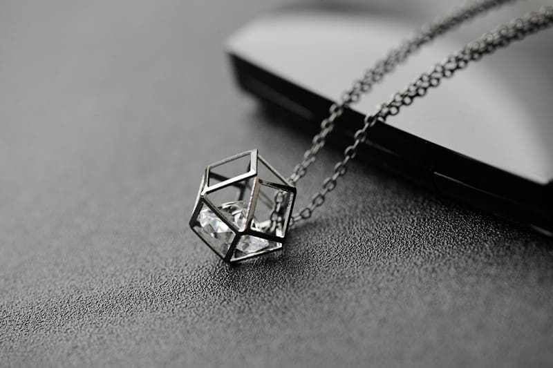 2016 Latest Fashion Contracted Geometric Alloy Hollow Crystal Choker Necklace Pendant For Women Brand Jewelry Wholesale