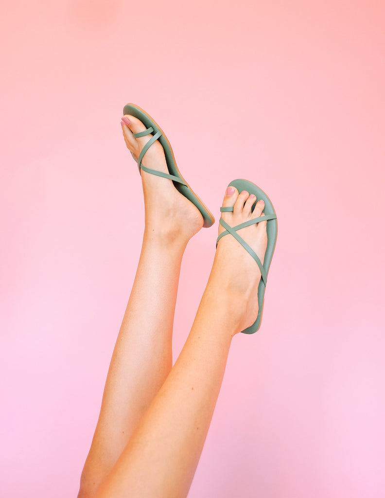 MUMBAI toe loop skinny leather strap sandal- Sage