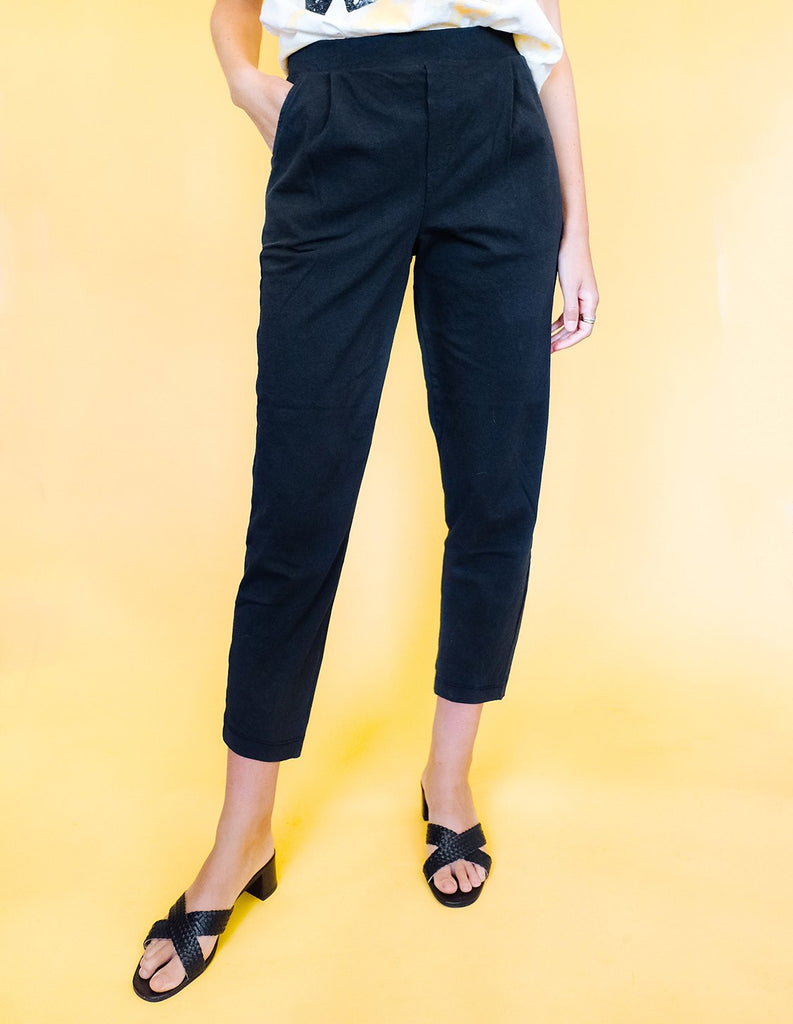 Pleat Plush Pant - Black