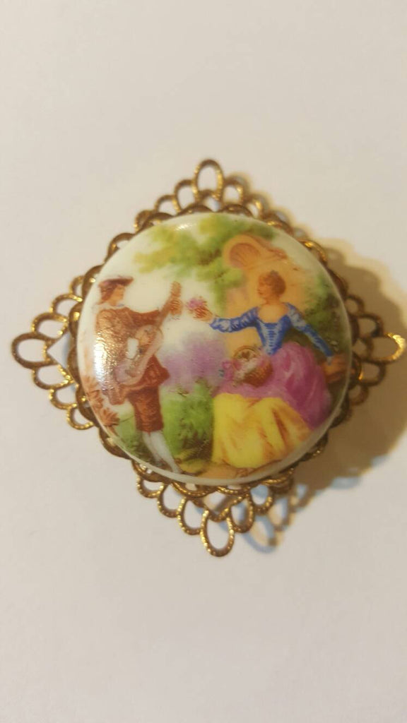 Man Serenading Woman Gold Brooch, Vintage Jewelry