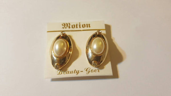Clip on Ear Rings, Vintage Jewelry, free shipping