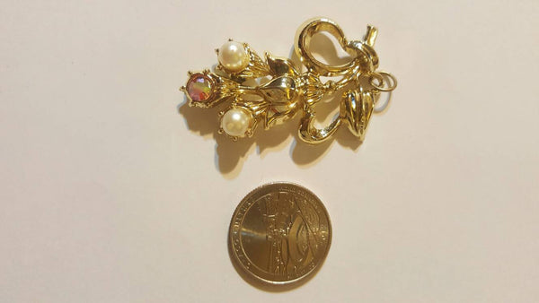 Large Gold Ribbon Pendant, Vintage Jewelry, FREE Shipping