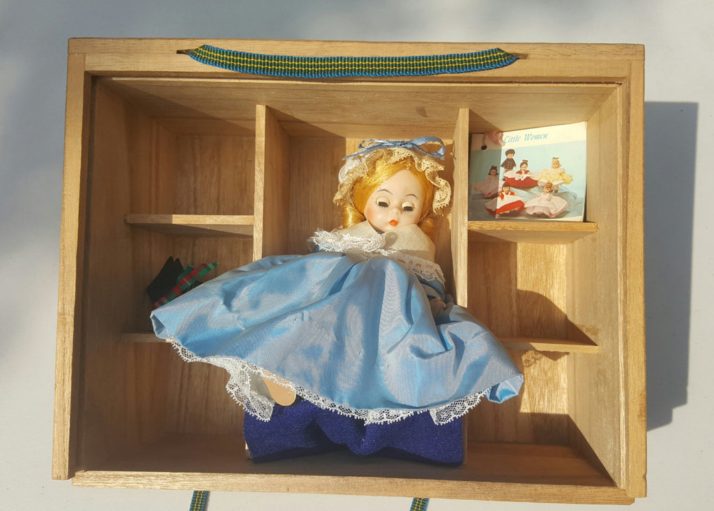Madame Alexander's United States Little Women Doll, in wooden closed Case, international storyland series, FREE Shipping