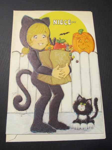 Niece.. Happy Halloween! Greeting Card, FREE SHIPPING