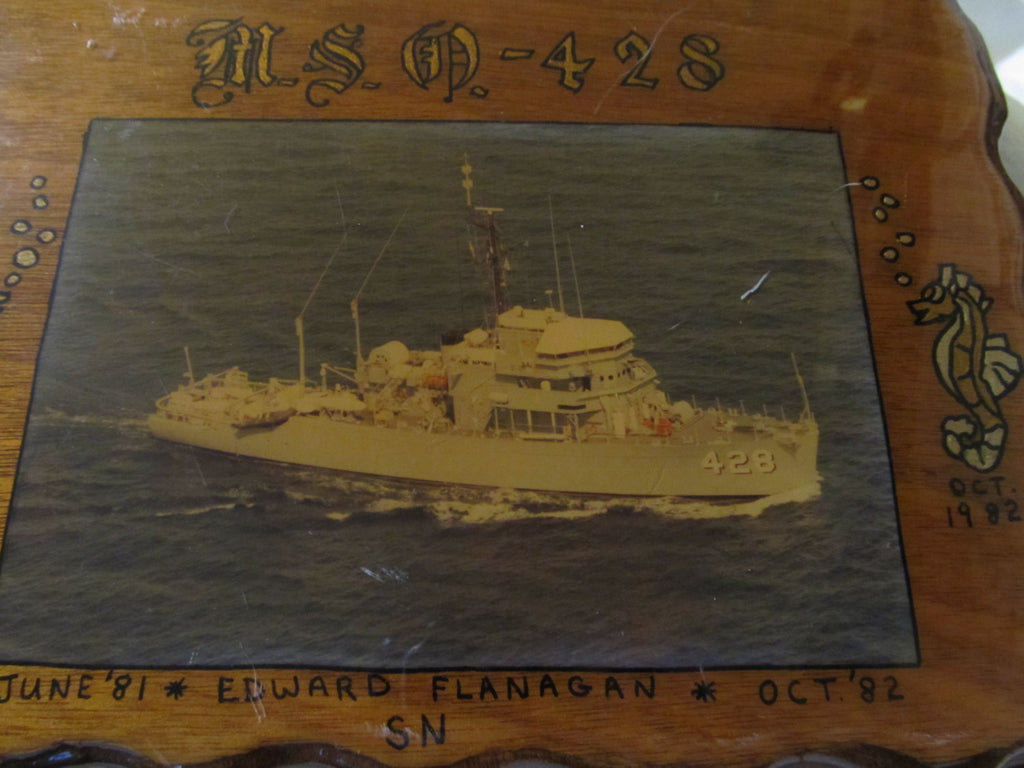 USS DASH USO 428, wall decor
