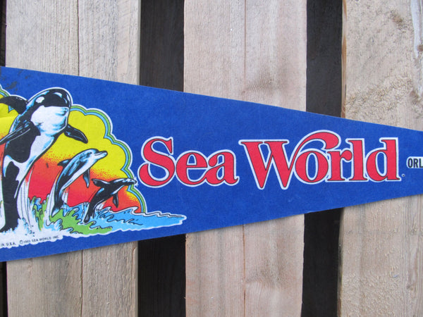 Sea World, Pennant, Souvenirs, Pennents, Pennants, Travel Collectibles, FREE shipping
