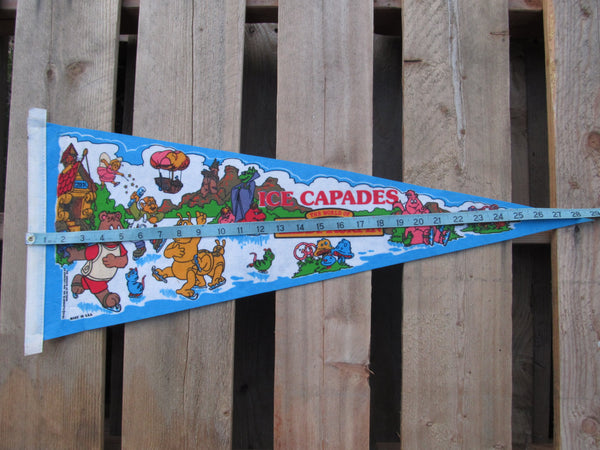 Ice Capades, the world of Teddy Ruxpin, Pennant, Souvenirs, Pennents, Pennants, Travel Collectibles, FREE shipping