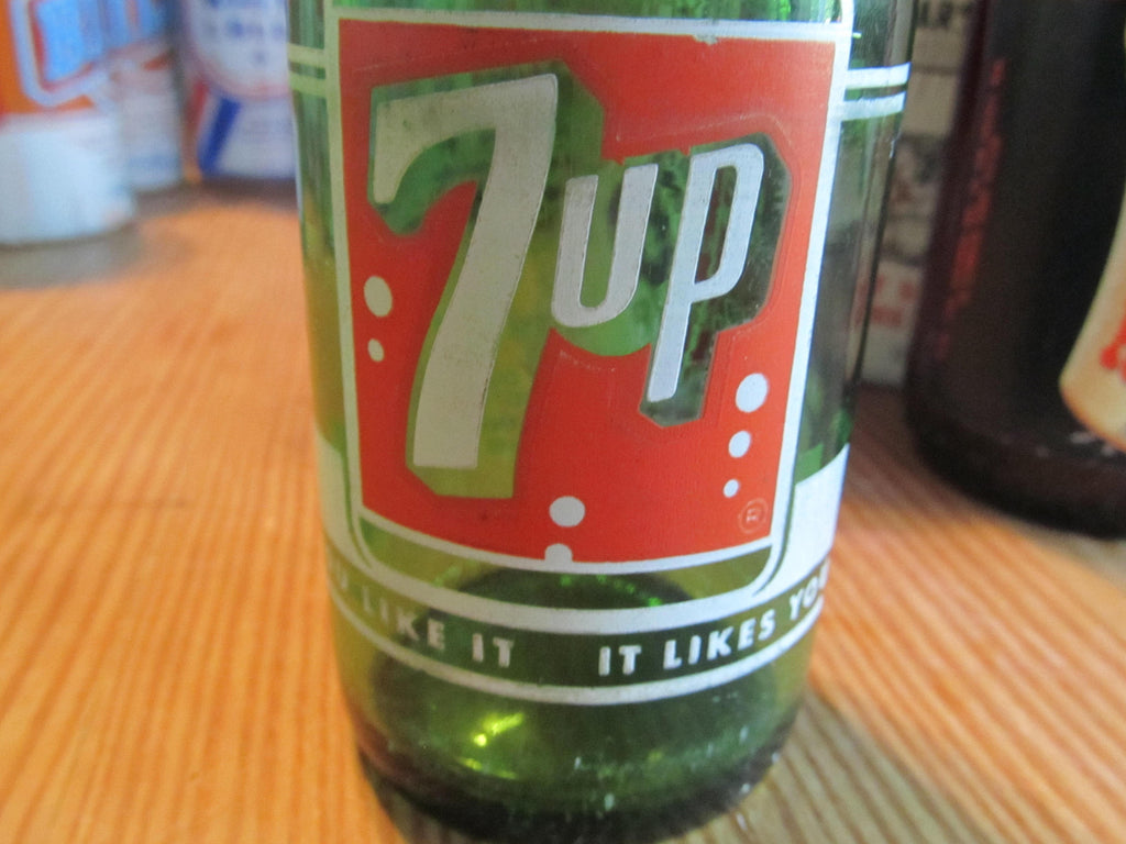 7up, Green Glass Bottle, Soda Bottle, 1940's Classic Soda, vintage bottles