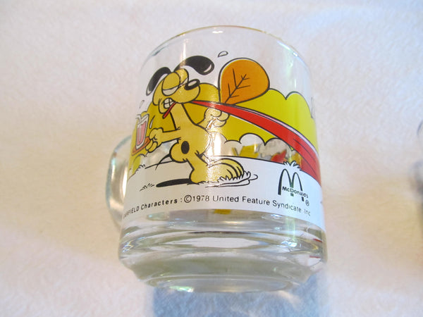 Garfield Glass Mugs, 1970's vintage coffee mugs, cartoon cats, McDonalds, Jim Davis, FREE Shipping