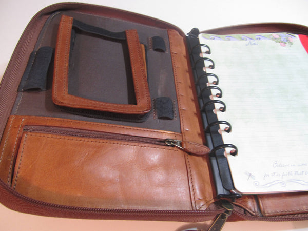 Day Planner, zippered, with zipper pockets, holders, folders, needs new paper, day timer, FREE SHIPPING