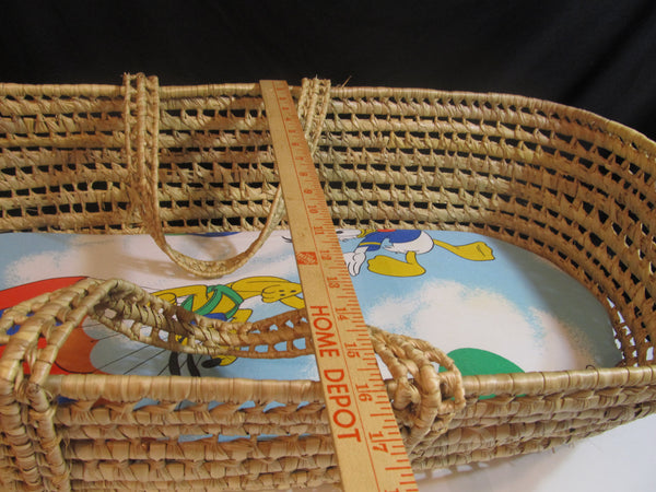 Vintage Wicker Baby Bassinet, Baby Cradle, Sleeping Baby, Newborn Gift Ideas, Baby Shower Gifts, Nursery Items, new Baby, child care
