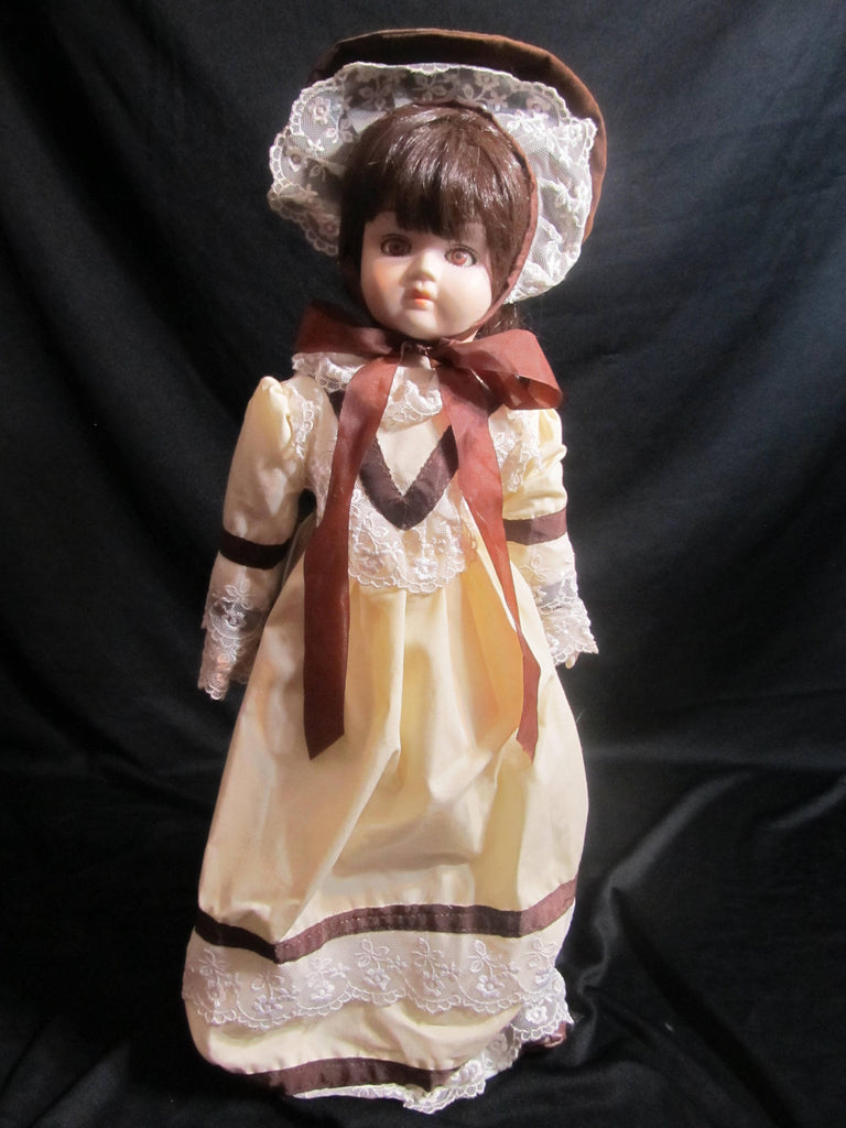 Brunette Porcelain Doll with stand, Zasan, Music Box, vintage dolls
