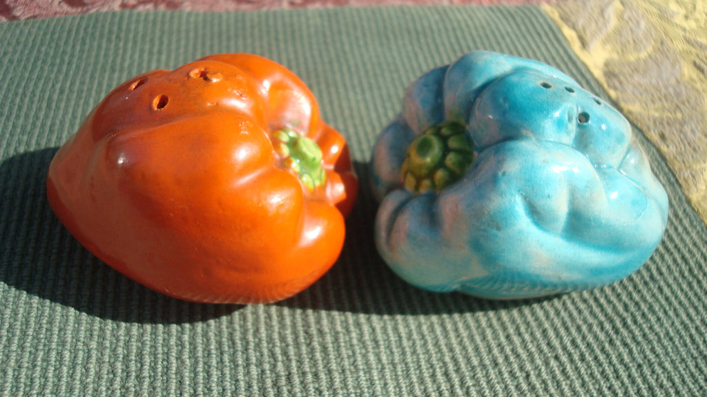 Vintage Salt and Pepper Shakers - Peppers - RARE