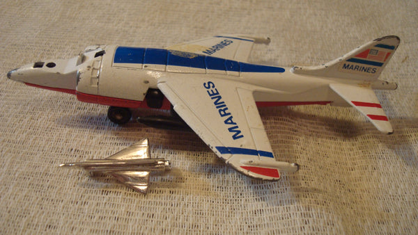 Matchbox 1980 Airplane with Airplane pin - MARINES