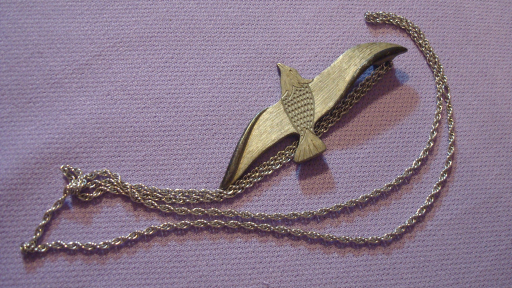 17 inch Long Silver Necklace Chain with Bird Pendant - Vintage Jewelry