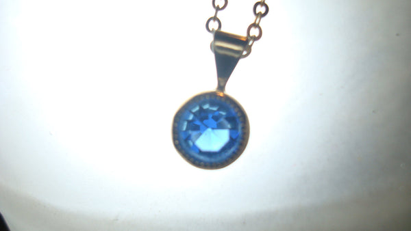 8.5 Inch Thin Gold Chain Necklace with Tiny Blue Stone Pendant - Vintage Jewelry, FREE Shipping!