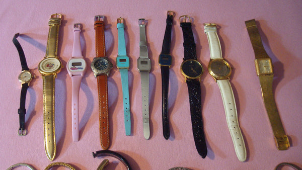 Watches lot of 27, Watch Pieces, Watch Bands, Vintage Clocks, Parts, Jewelry Assemblage, FREE SHIPPING