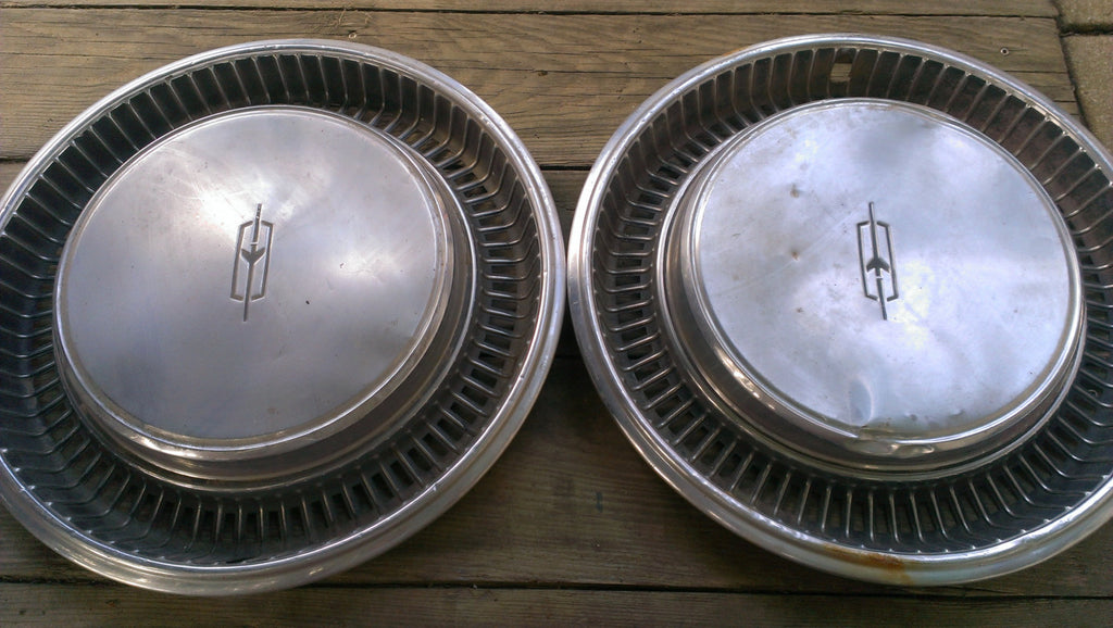 Oldsmobile Hubcaps, 2 Wheel covers, Vintage Vehicles Parts, Rare Original Parts, Accessories, Rim Covers, Wheel Covers, FREE Shipping