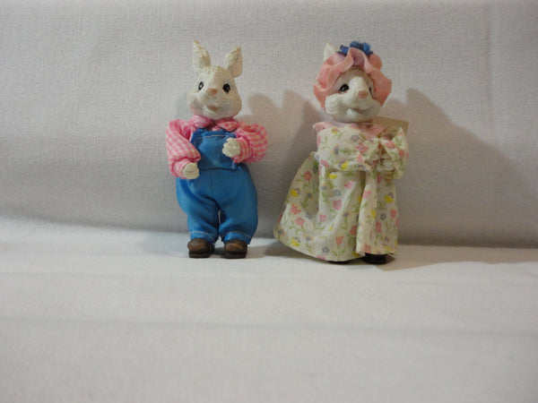 Mr. and Mrs. Ceramic Easter Bunnies, Easter Holiday Decorations, knicknacks, gifts, Easter Baskets, cute bunny couple