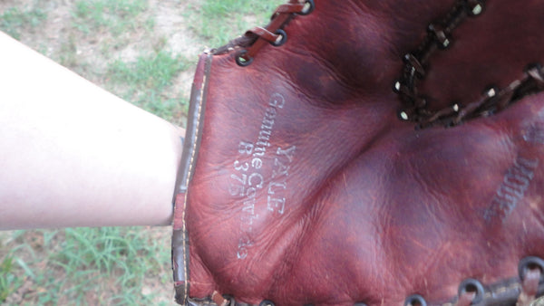 Antique Yale Genuine Cowhide Baseball Glove