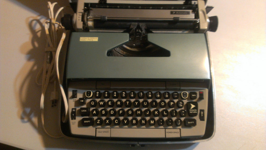 SCM, Smith Corona Electronic Vintage Typewriter, FREE Shipping