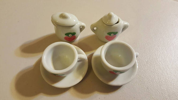 8 piece Happy Heart Smilie face tiny tea set