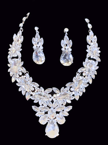 Bertha Necklace Set