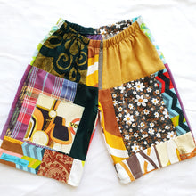 Load image into Gallery viewer, Vintage patchwork shorts Size 5-6