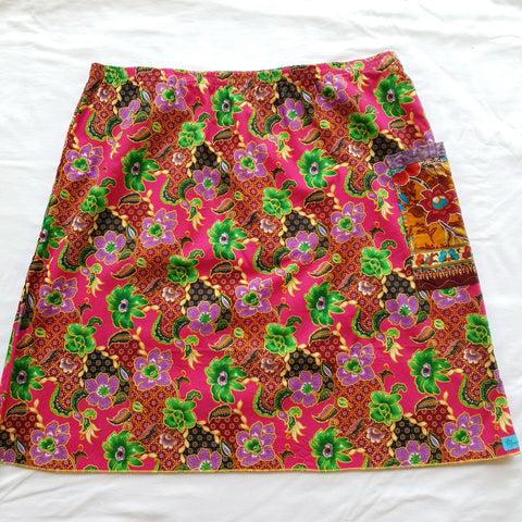 Ladies Pink batik skirt AU12-14