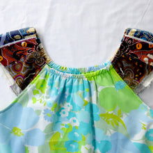 Load image into Gallery viewer, Size 5-6 Swing top Vintage with indigenous patchwork sleeves