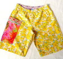 Load image into Gallery viewer, Size 6-7 Sunny yellow shorts