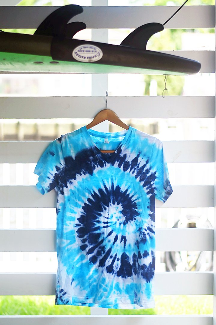 Waves Tie-Dye V-Neck T-Shirt - Sarah Marie Design Studio