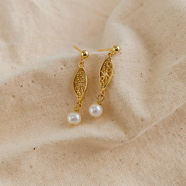 Mary Pearl Earrings