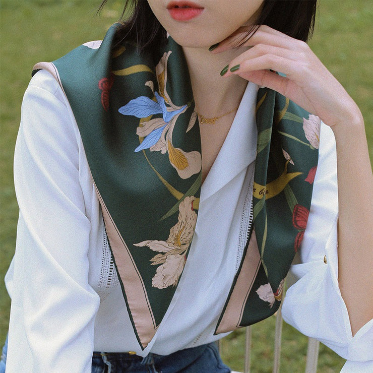 Chowxiaodou 16 Momme Iris Silk Twill Small Square Scarf 65*65