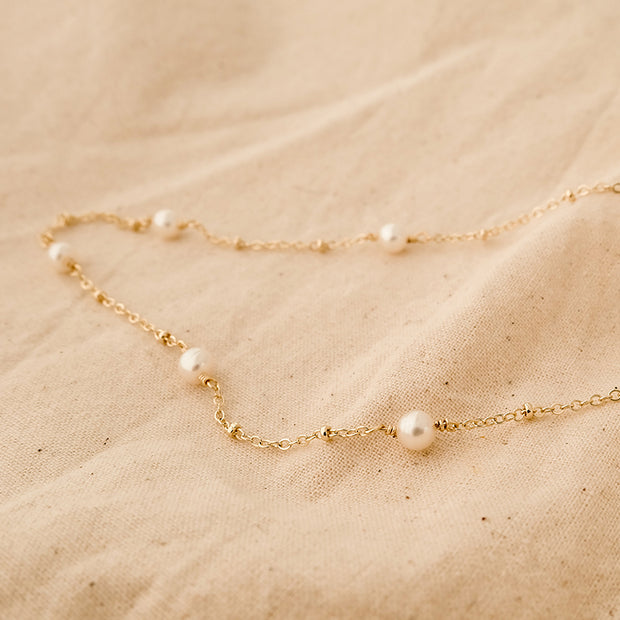 Delicate Pearl Clavicle Chain Necklace