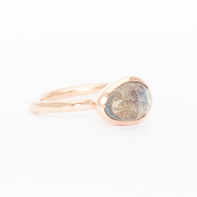 'Bête' Labradorite Bezel Ring - Rose Gold