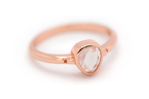 Lolita Rose Quartz Bezel Ring - Rose Gold