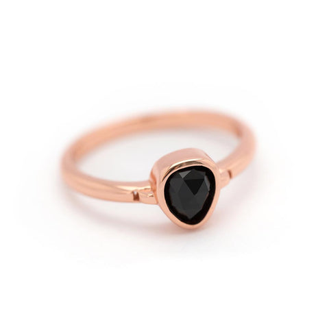 """Lolita"" Black Onyx Bezel Ring - Rose Gold"