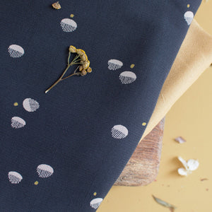 Viscose crepe fabric ©Atelier Brunette - Seed Night