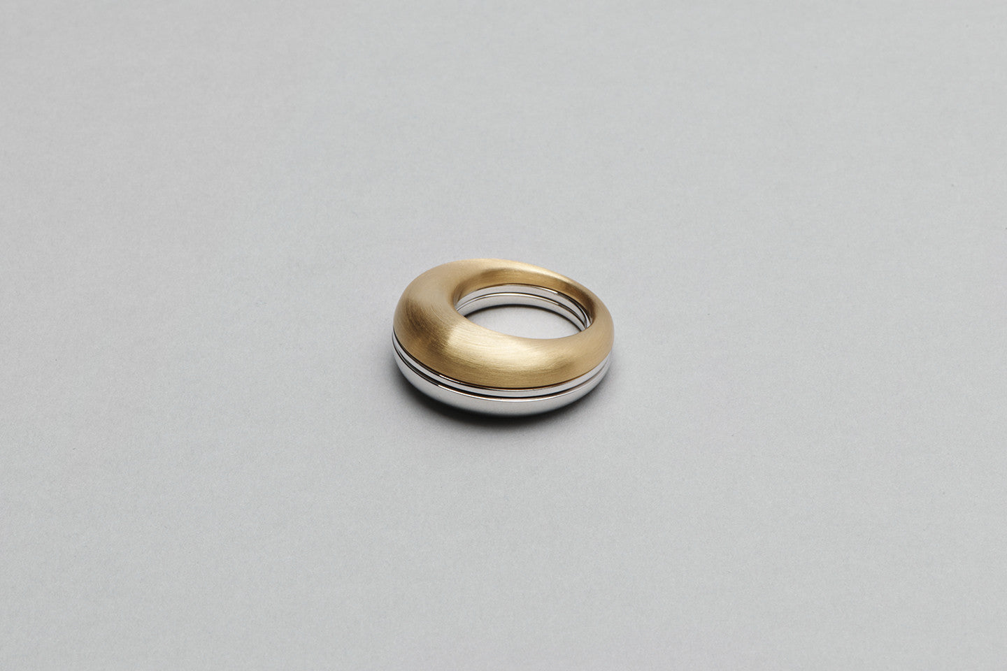 Beautiful ring | 18k yellow gold and 18k white gold