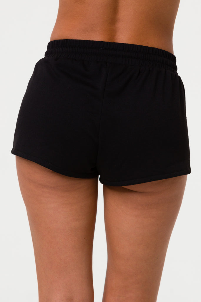 ONZIE Divine Short Black - Shop Online SPORTLES.com